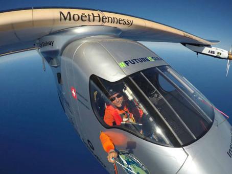 Avión solar a punto de lograr la vuelta al mundo tras escala en España