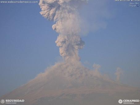 Tras cumplir años, el Popocatépetl registra fuerte explosión volcánica