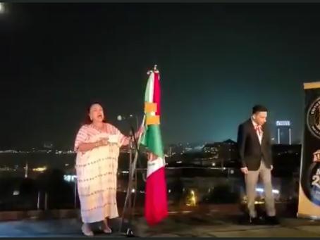 La cónsul Isabel Arvide desata polémica por viva a López Obrador