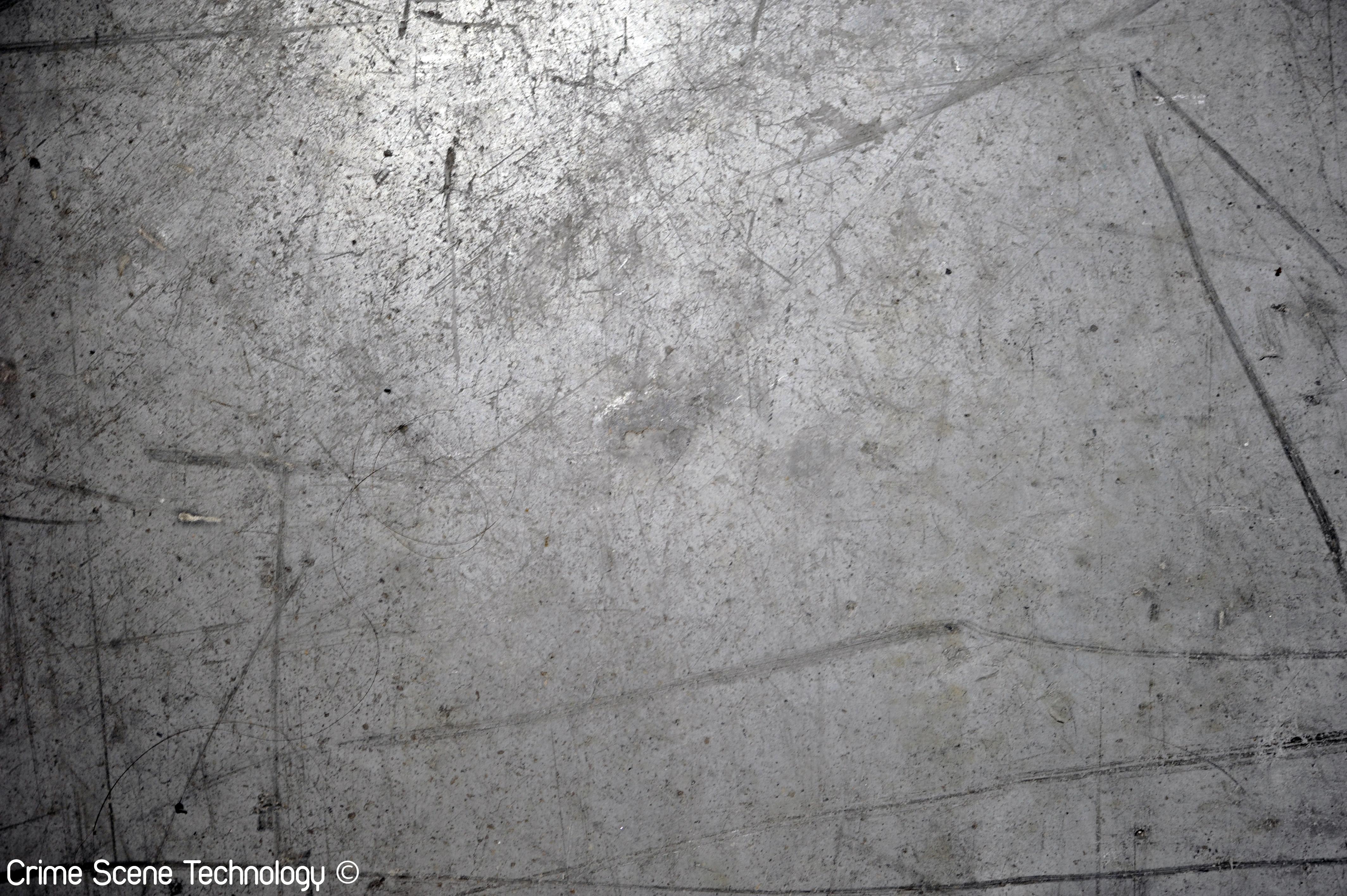 CST - Traces de Pneu (Visible).jpg