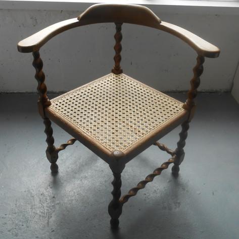 chair_2.jpg