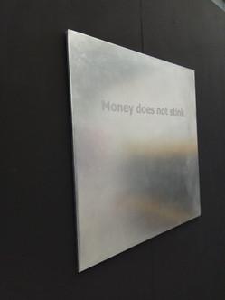 Money doent stink. Olfactory installation.