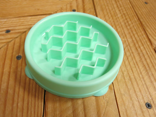 Slow Feeder for small to tiny dogs - green