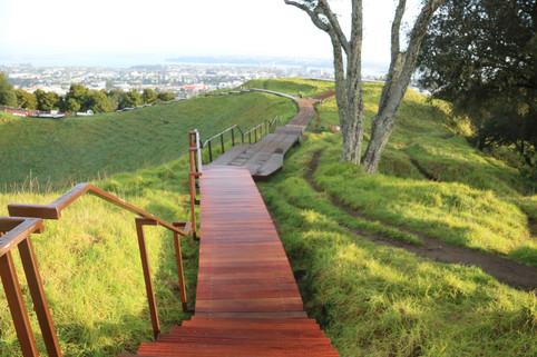 Maungawhau Tihi Boardwalk - HEB Construc