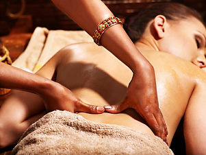 Ayurvedische_Massage.jpg