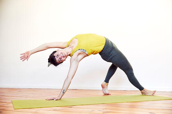 2021_LauraCristovao_Indoor_Yoga_21.jpg