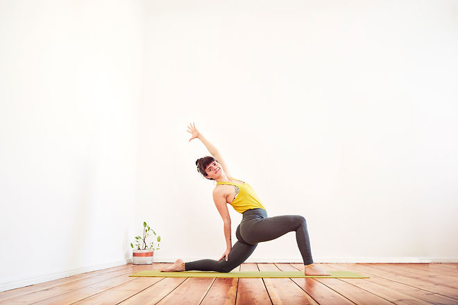 2021_LauraCristovao_Indoor_Yoga_08.jpg