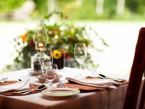 6 Safety Tips for Dining out with Allergies.