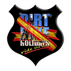 Dirt Bike Holidays logo outer glow.png