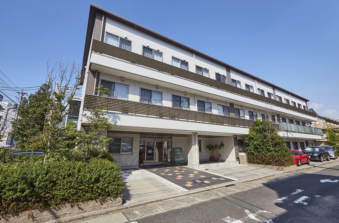 ナーシングホーム 寿々岩塚外観