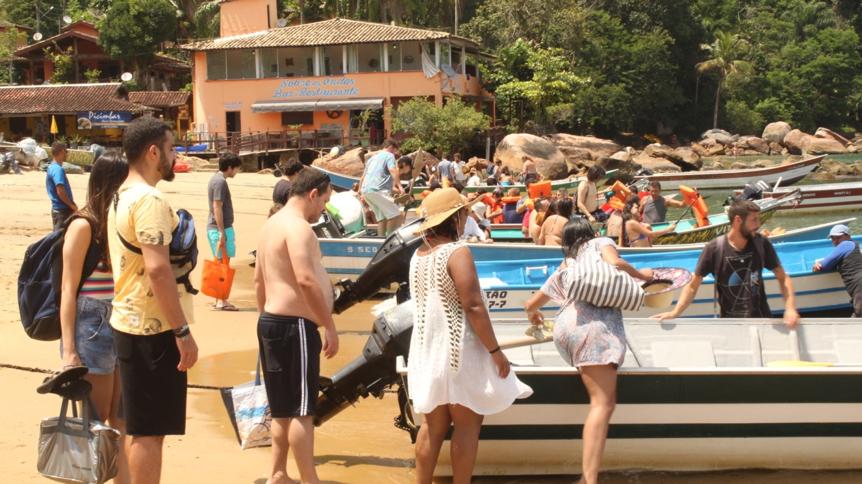 Barqueiros de Picinguaba, embarque de turistas.