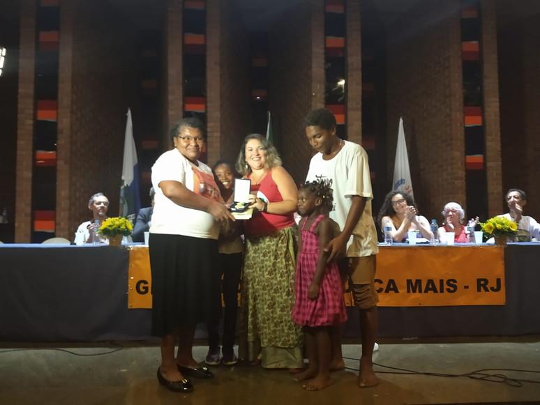 """Quilombo Santa Rita do Bracuí recebe a """"Medalha Chico Mendes de Resistência"""""""