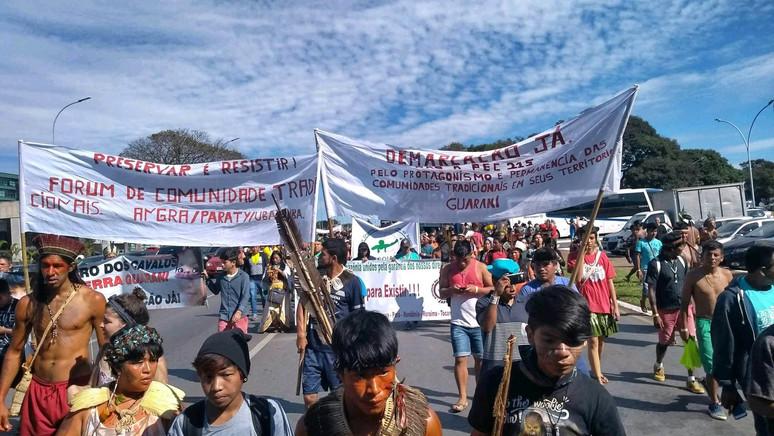 Representantes do povo guarani mbya do FCT participam do Acampamento Terra Livre em Brasília