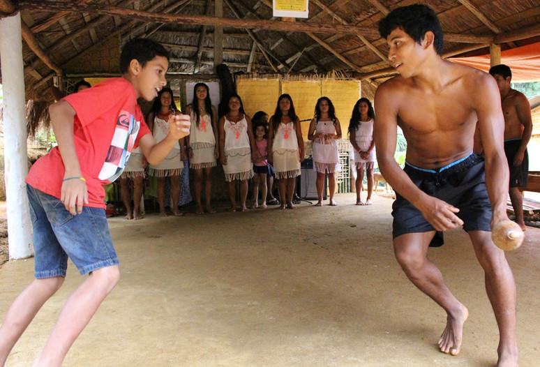 Tradições culturais e muita luta marcam festa na aldeia do Rio Pequeno