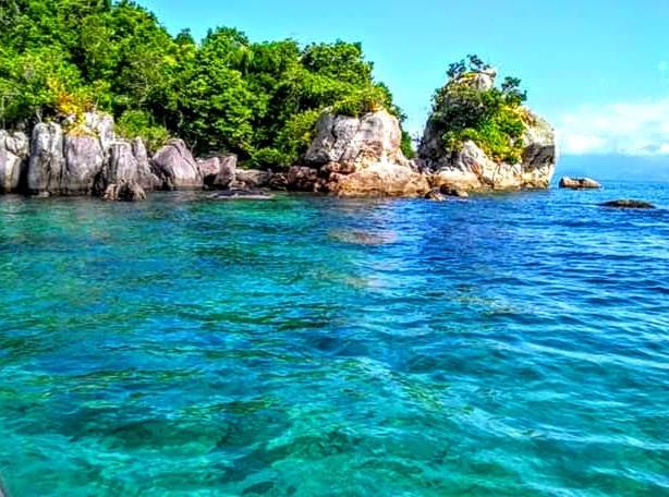 Caiçaras da Picinguaba lutam por turismo de base comunitária para salvar Ilha das Couves