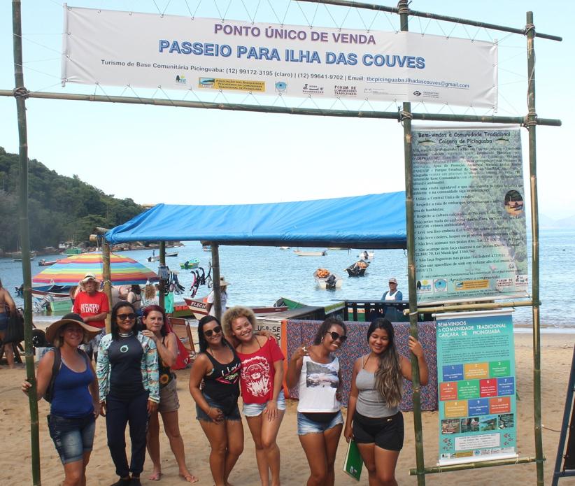 Trabalho coletivo do receptivo de TBC na Vila de Picinguaba