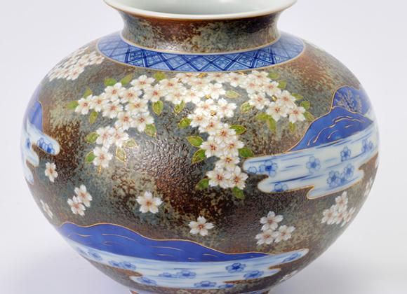 平成鍋島 地紋流水桜 壺