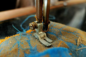 sewing-machine-2448246_1920.jpg