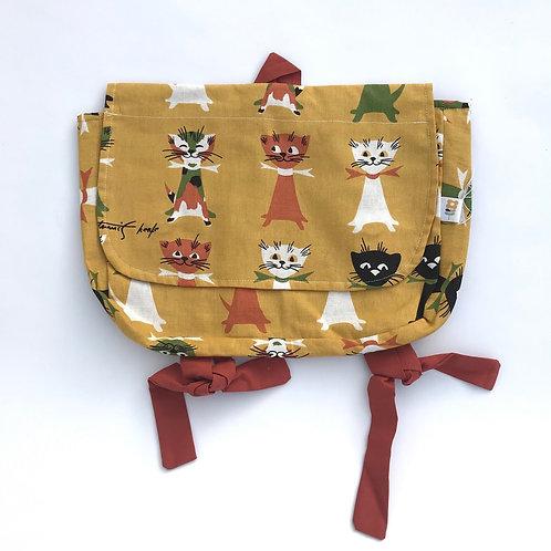 Schoolbag cats