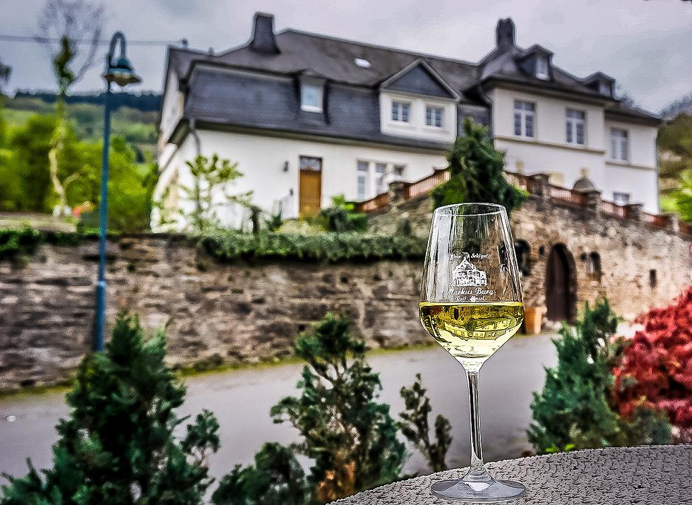 Villa Burg mit Riesling