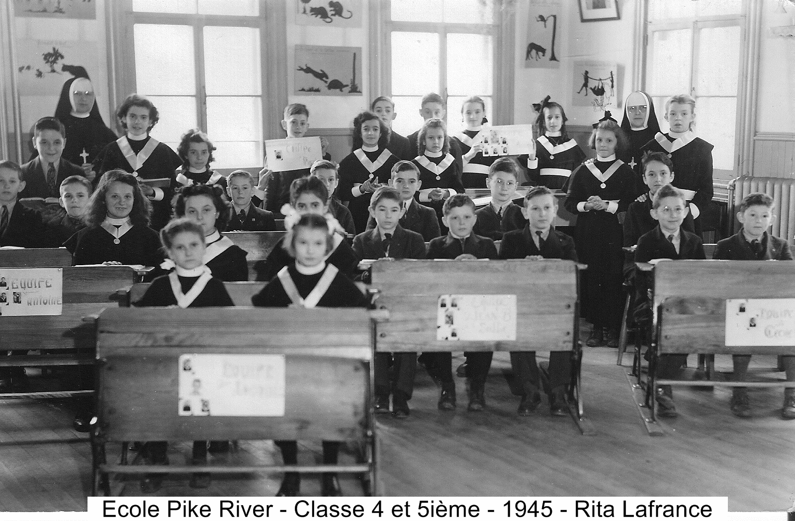 Classe 4e 5e Ecole Pike River vers 1945 Rita Lafrance