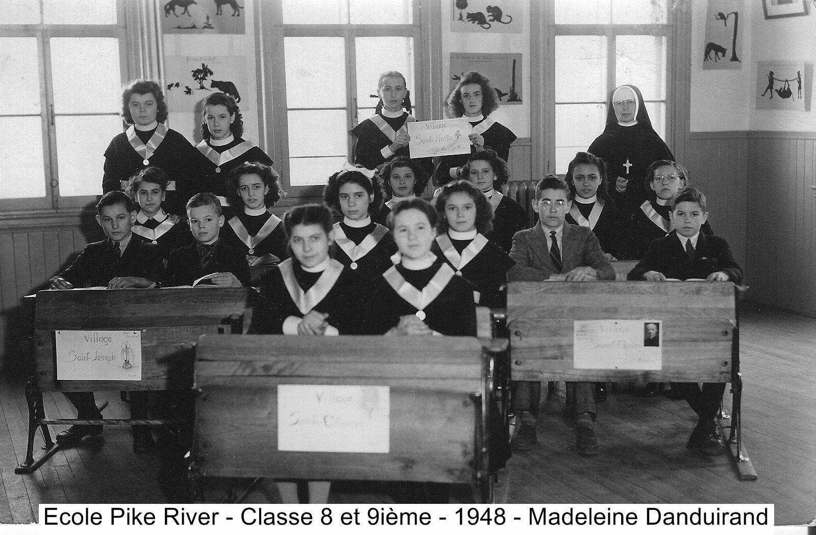Classe 8e 9e  Couvent vers 1948 Madeleine Danduirand
