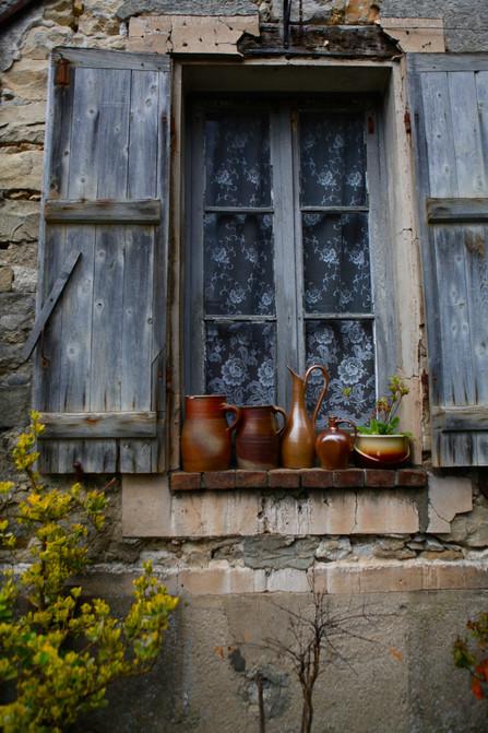Provence Window Dressing