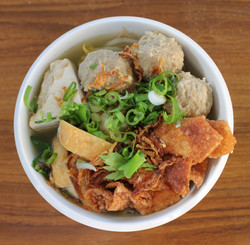Bakso - Traditional Meatball Soup.JPG