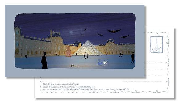 """Carte postale """" Clair de lune sur la Pyramide du Louvre """""""