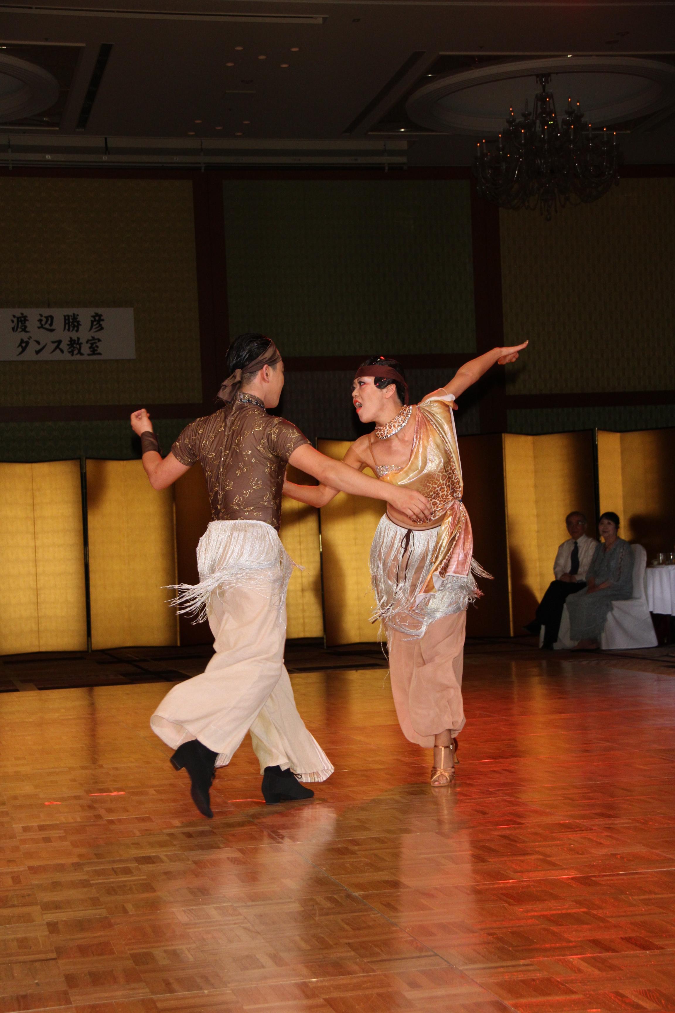 「ショーダンス」デモ