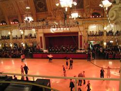 競技会場のダンスフロア3