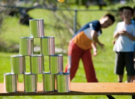 Kindergarten: Spielklassiker Dosenwerfen