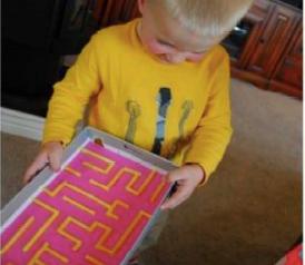 Kindergarten: Ein eigenes Labyrith basteln