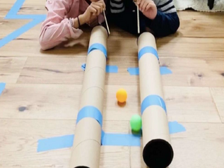 Kindergarten: Pingpong-Bälle blöselä