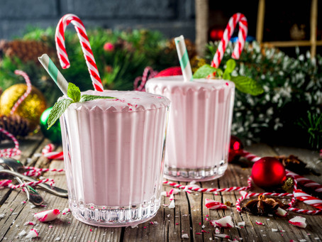 2-Minute Peppermint Candy Cane Yoghurt Smoothie