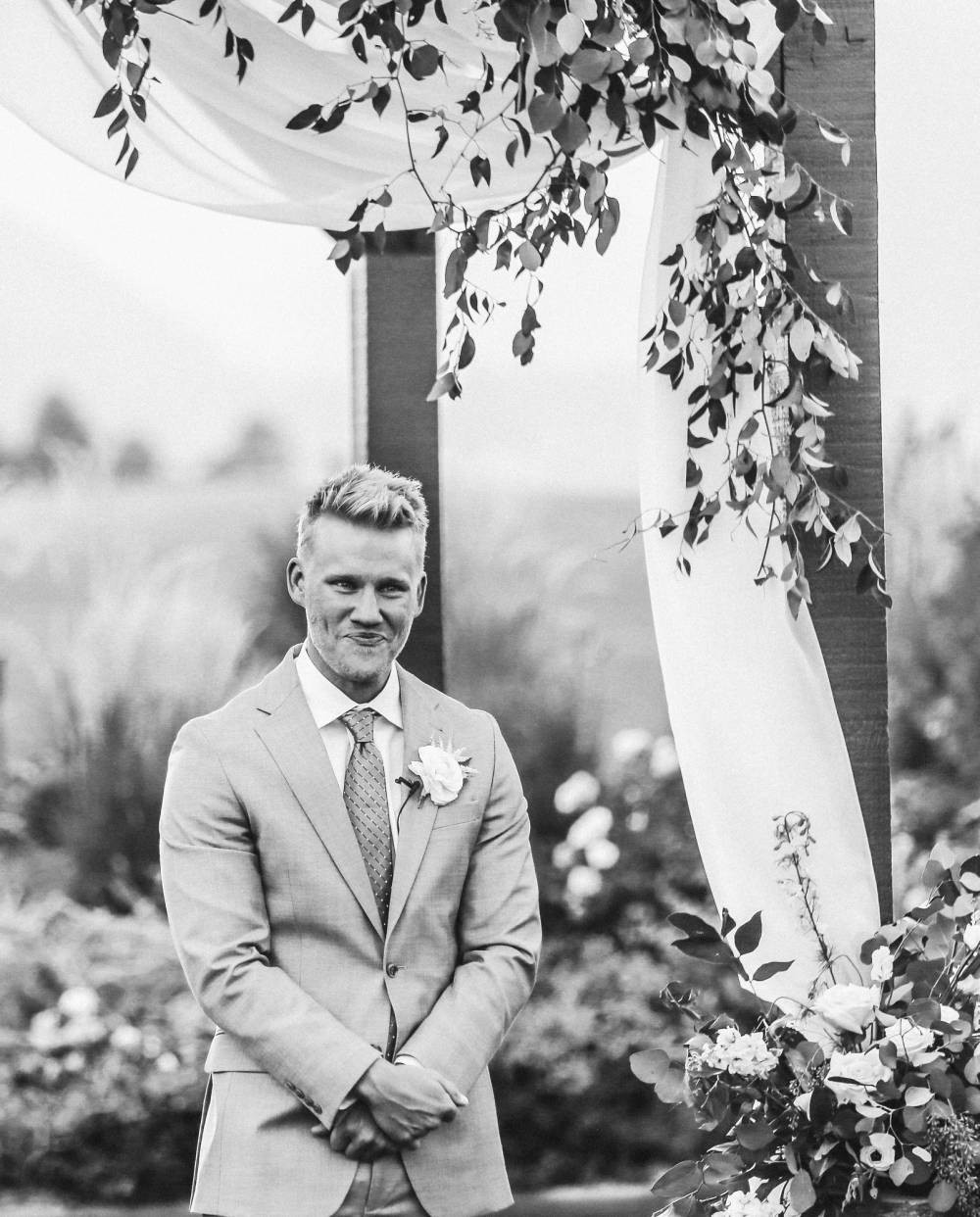 crying grooms