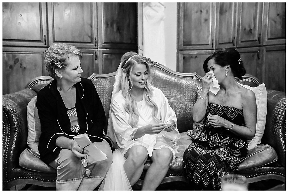 bridal moments on the wedding day