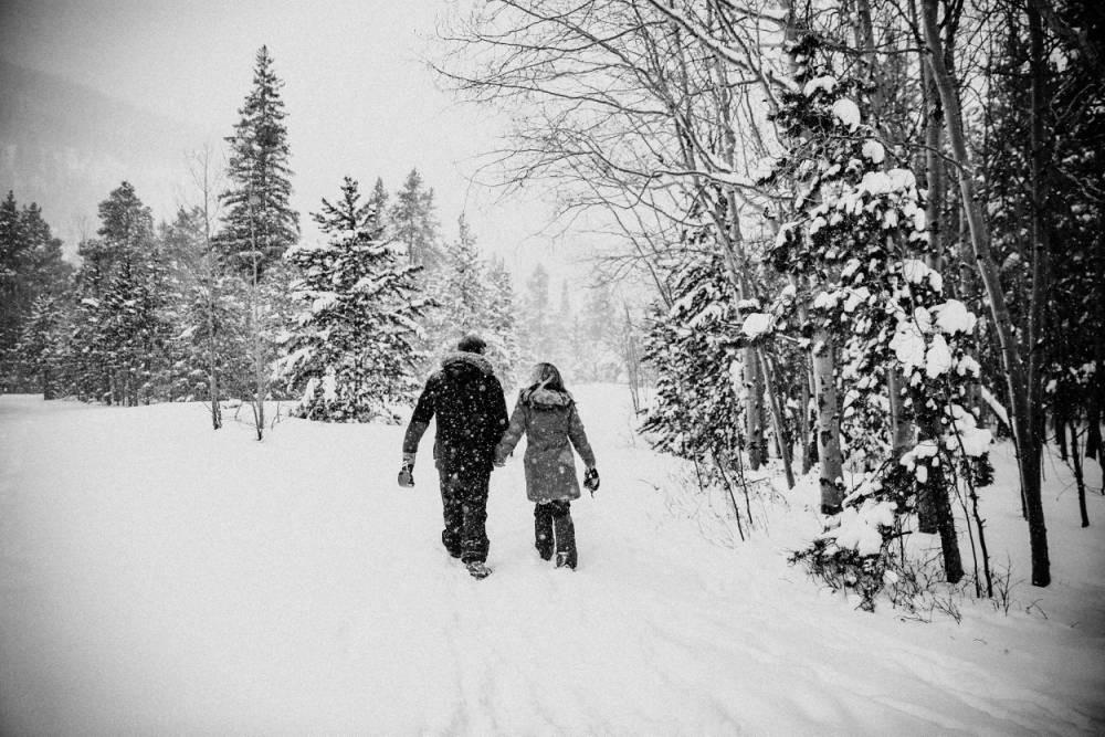 winter wonderland engagement photos