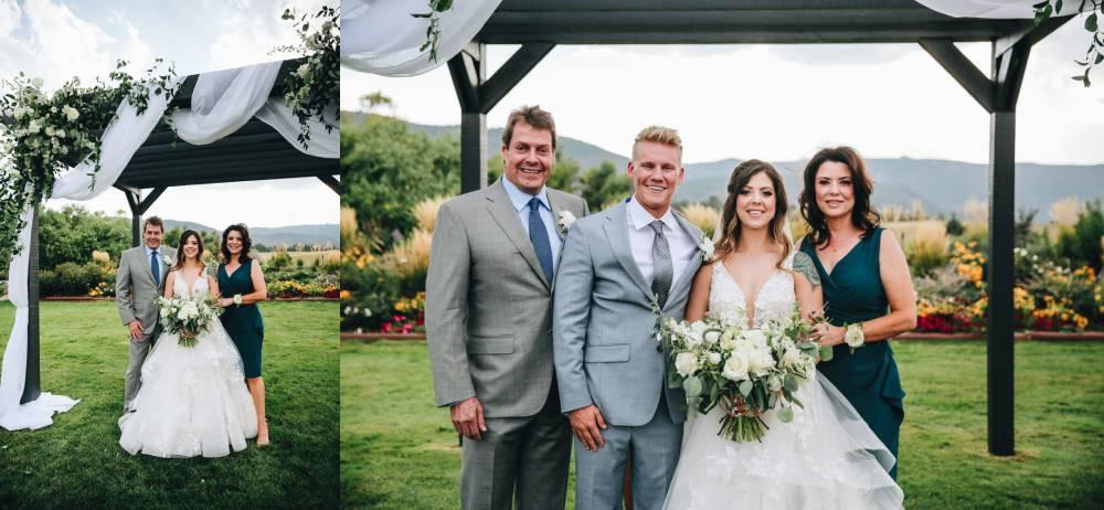 colorado wedding photos with family