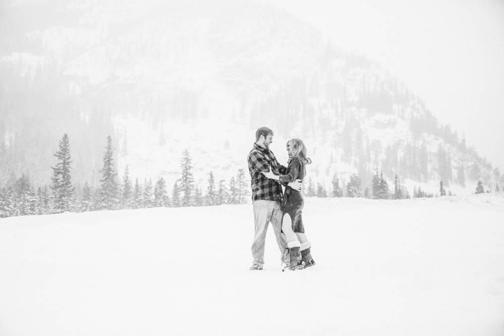 sapphire point winter wedding photographer