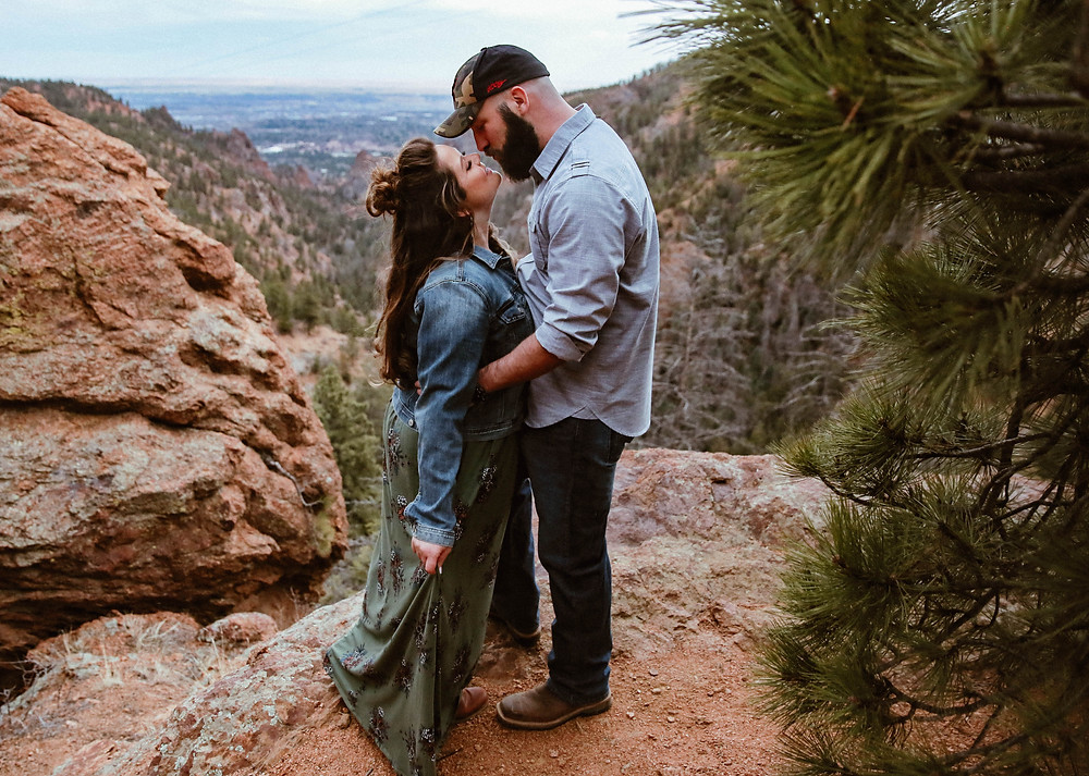 colorado springs mountain engagement session