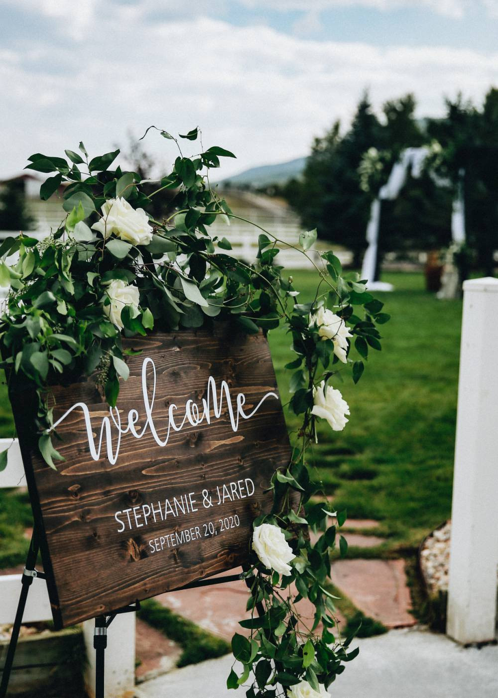 crooked willow farms wedding decor