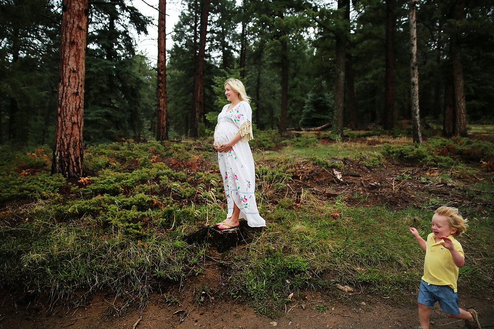 evergreen maternity photographer