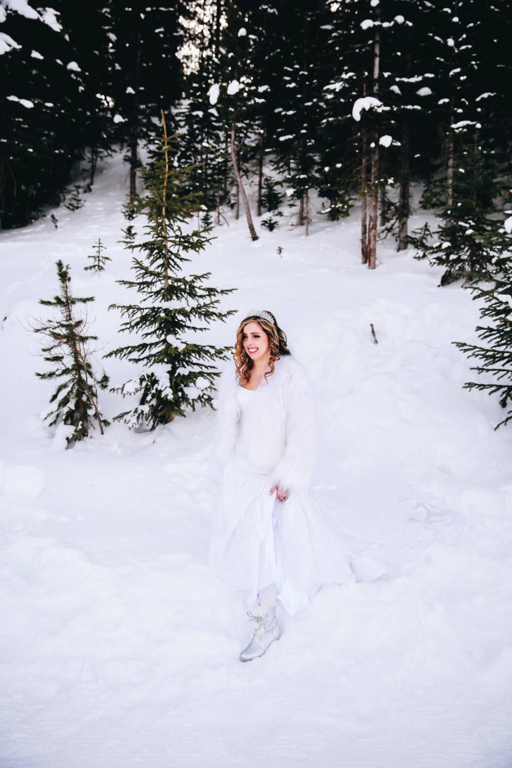 Winter Elopement Bride