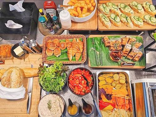 POR Thapae Gate breakfast