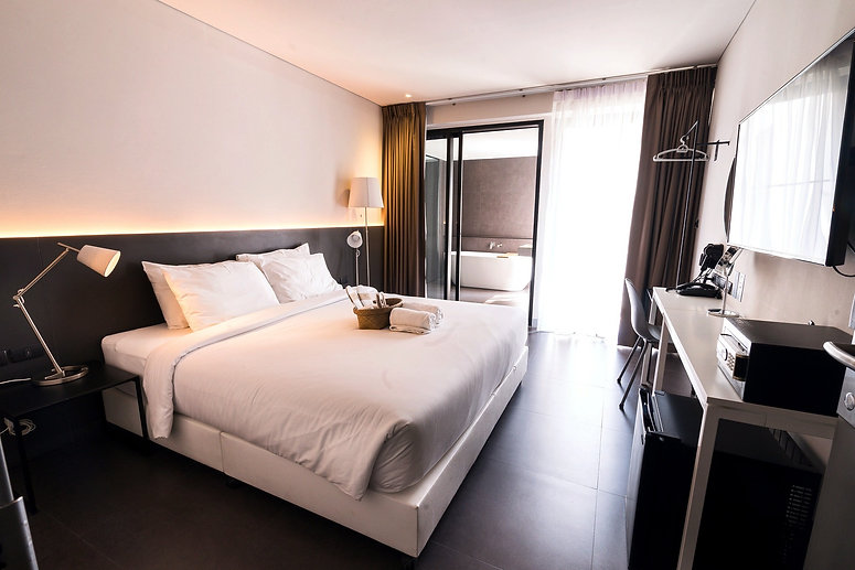 POR Thapae Gate room with amenities