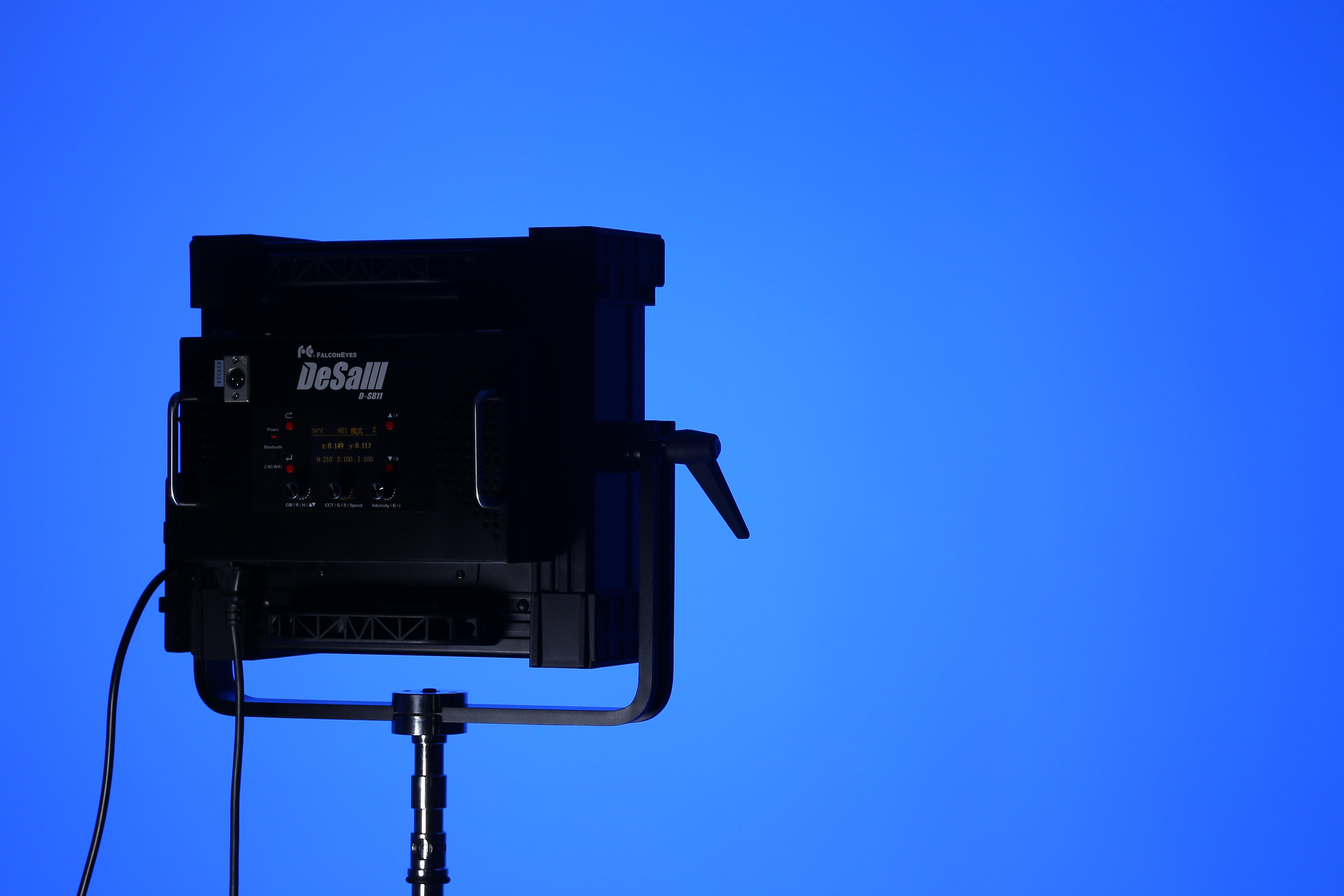 Falcon Eyes DESAL DS-811 RGB 200W Color Temperature 2800K-10000K Soft LED Light Support DMX-512 HSI Bluetooth APP Remote Control