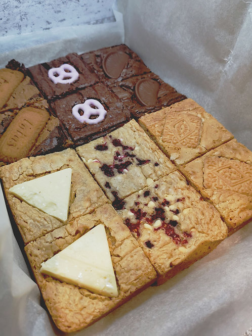 Mega Brownie & Blondie Treat Box