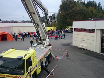 Åpen brannstasjon