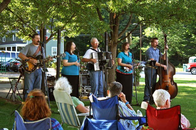 The Hinkles Concert in the Park